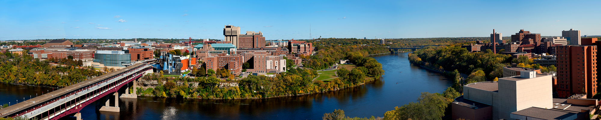 Panoramic view of East Bank over the Mississippi River